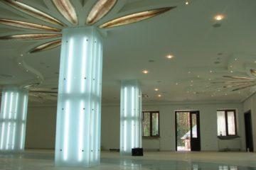 Стеклянные колонны